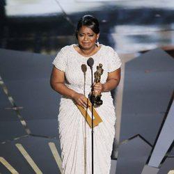Octavia Spencer recoge su Oscar 2012 a la Mejor Actriz Secundaria