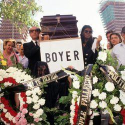 José María Ruiz-Mateos simula el funeral de Miguel Boyer