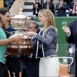La Infanta Cristina entrega el Conde de Godó a Rafa Nadal en 2007