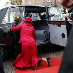 Margarita de Dinamarca se tropieza con un escalón y cae al suelo