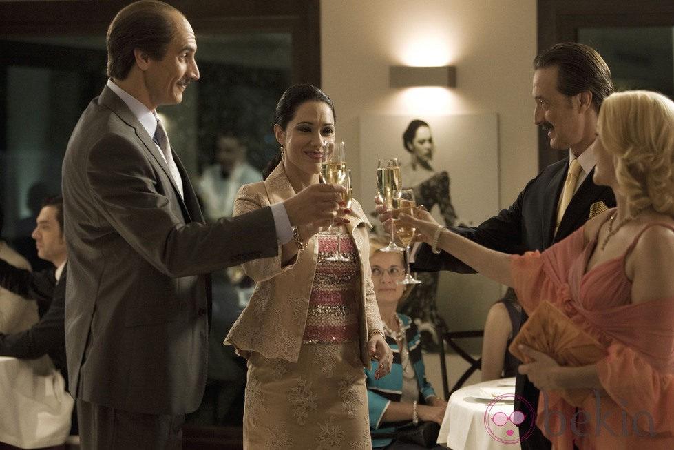Rodrigo Pison, Eva Marciel, Aníbal Soto y Carmen Gutiérrez en 'Mi gitana'