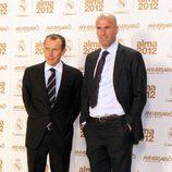 Butragueño y Zidane en los premios Alma 2012 de la Fundación del Real Madrid