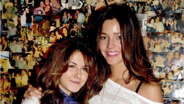 Malena Costa con su hermana Lucía