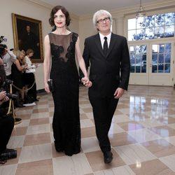 Elizabeth McGovern y Simon Adam Curtis en la Casa Blanca