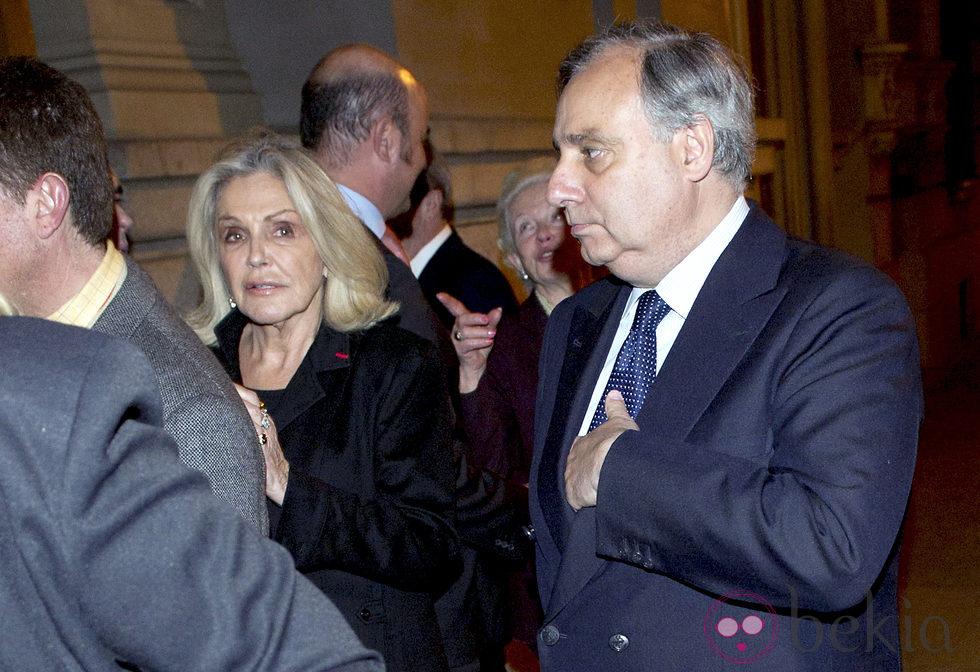 Beatriz de Orleans y Fernando Martínez de Irujo en el funeral de Ana Medina
