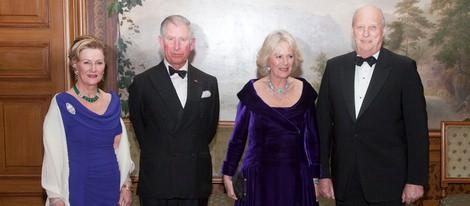 Los Reyes de Noruega con el Príncipe Carlos y la Duquesa de Cornualles en Oslo