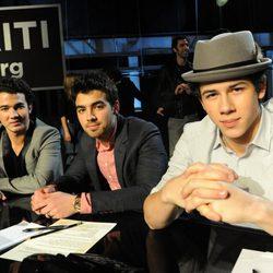 Los Jonas Brothers en una gala en beneficio de Haití