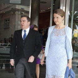 Victoria de Borbón-Dos Sicilias y Markos Nomikos en la boda de Álvaro Fuster y Beatriz Mira