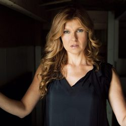 Connie Britton, madre y esposa traumatizada en 'American Horror Story'