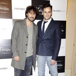 Hugo Silva y Asier Etxeandia en los Premios Shangay 2012