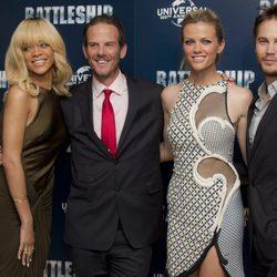 Rihanna, Peter Berg Brooklyn Decker y Taylor Kisch en la presentación de 'Battleship' en Londres