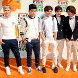 El grupo One Direction posó para los fotografos en los Kids Awards