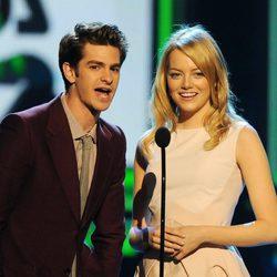 Andrew Garfield y Emma Stone en la gala de los Kids Awards