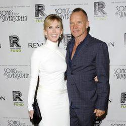 El cantante Sting y su mujer Trudie Styler en el Revlon Concert