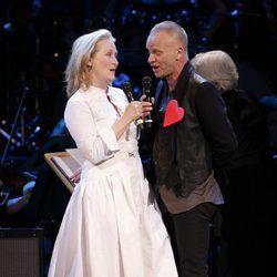 Meryl Streep y Sting cantando como protagonistas del Mago de OZ