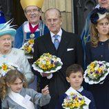 La Reina Isabel, el Duque de Edimburgo y la Princesa Beatriz en York
