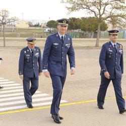 El Príncipe Felipe durante su visita a la base aérea de Zaragoza