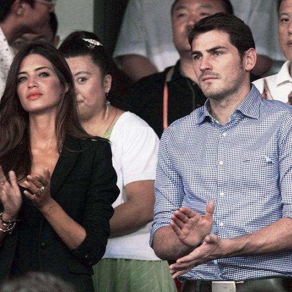 Iker Casillas y Sara Carbonero en un partido de la liga China