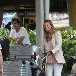 Carla Goyanes y Jorge Benguria en el aeropuerto de Miami