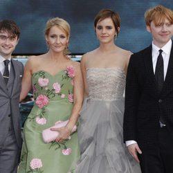 Daniel Radcliffe, J.K. Rowling, Rupert Grint y Emma Watson en el estreno de Harry Potter en Londres