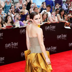 Emma Watson viste de Bottega Venetta en la premiére neoyorkina de Harry Potter