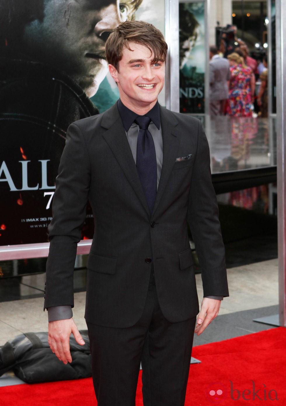 Daniel Radcliffe, de traje para el estreno de 'Las reliquias de la muerte: Parte 2'