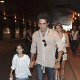 Jesús Cabanas y su hija en el concierto de Black Eyed Peas en Madrid
