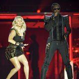 Fergie y will.i.am en pleno concierto de Black Eyed Peas en Madrid