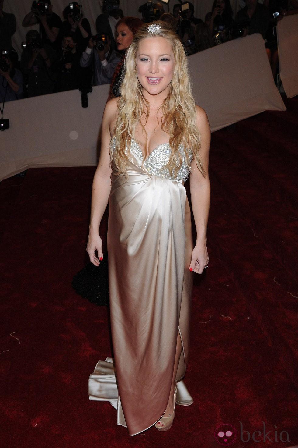 Kate Hudson de Stella McCartney en la gala del MET 2011