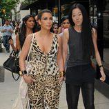 Kim Kardashian y Vera Wang, diseñadora de su vestido de novia