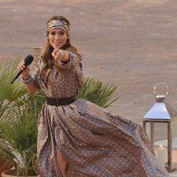 Jennifer Lopez con un maxi vestido de Lanvin