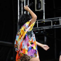 Lily Allen luce celulitis en pleno concierto