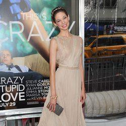 Analeigh Tipton en el estreno de 'Crazy, Stupid, Love' en Nueva York