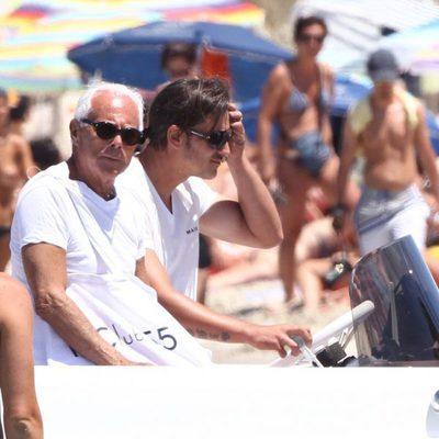 Giorgio Armani y un amigo disfrutan de unas vacaciones en Formentera