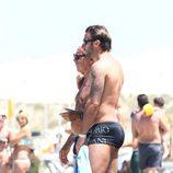 Giorgio Armani disfruta de la compañía de un amigo en Formentera