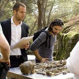 Antonio Hortelano y Carles Francino en una imagen del primer capítulo de 'Punta Escarlata'