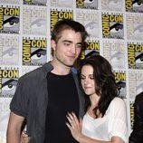 Robert Pattinson y Kristen Stewart cariñosos en Comic-Con 2011