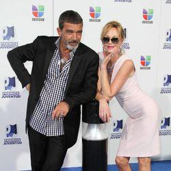 Antonio Banderas y Melanie Griffith en los Premios Juventud 2011
