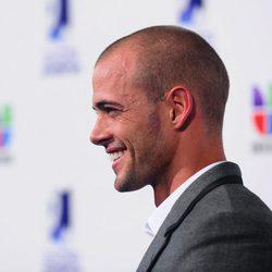 William Levy con el pelo rapado en los Premios Juventud 2011