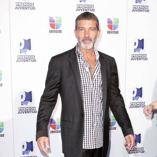 Antonio Banderas, Pitbull y William Levy en los Premios Juventud 2011