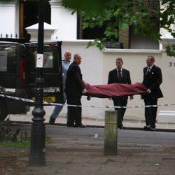 El cadáver de Amy Winehouse abandona la casa