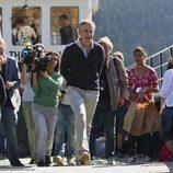 Jonas Gahr Store, ministro de asuntos exteriores, visita Utoya tras la masacre