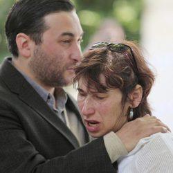 La madre de Amy Winehouse inconsolable tras la muerte de su hija