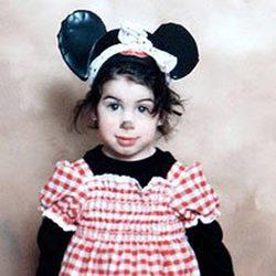 Amy Winehouse disfrazada cuando era pequeña