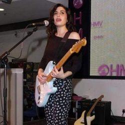Amy Winehouse haciendo sus pinitos en la música