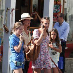 Alexandra de Hannover, Carolina de Mónaco y Carlota Casiraghi en Capri
