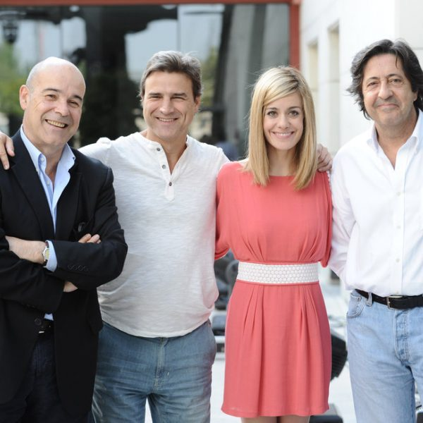 Antonio Resines, Alberto San Juan y Alexandra Jiménez presentan 'Cheers'