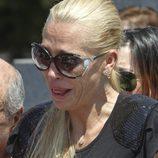 Belén Esteban rota de dolor en el funeral de su abuela Pilar de Diego