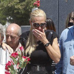 Belén Esteban muy triste en el funeral de su abuela Pilar de Diego