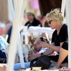 Hugh Jackman y Deborra Lee Furness de vacaciones en Saint-Tropez
